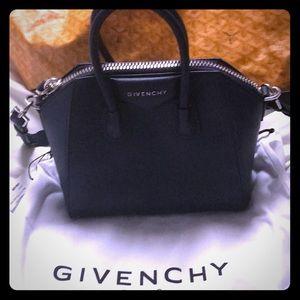Givenchy mini antigona sugar leather navy blue